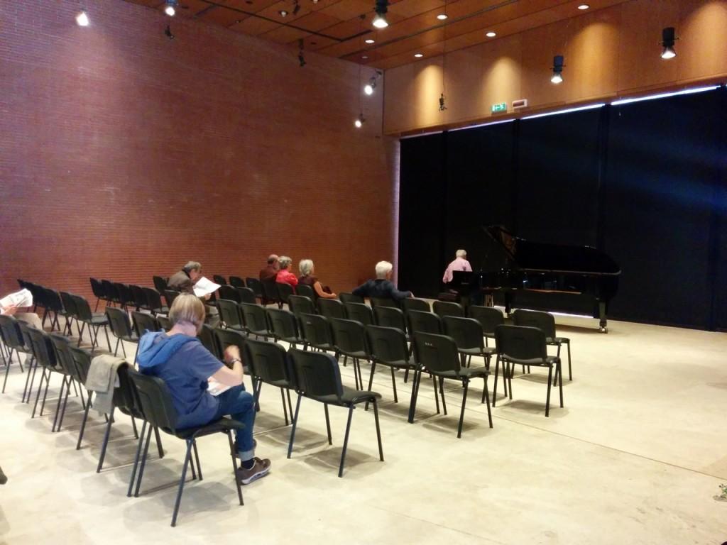 会場はサンタチェチーチアオケの本拠地Auditorium内のSpazio Risonanze